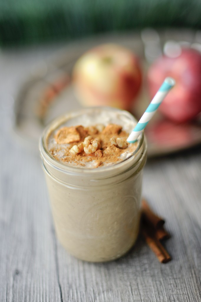 Apple Pie Smoothie by Bewellwitharielle.com for NourishSnacks