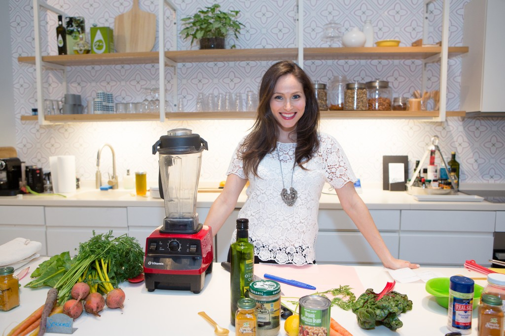 1 minute almond pesto by arielle haspel of bewellwitharielle.com