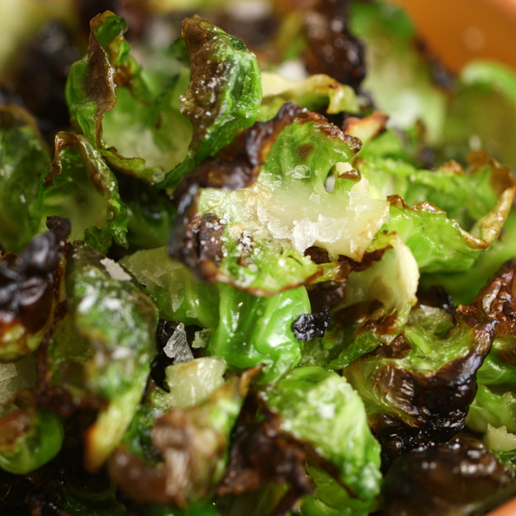 how to make brussels sprouts chips by bewellwitharielle.com - arielle haspel on healthination.com