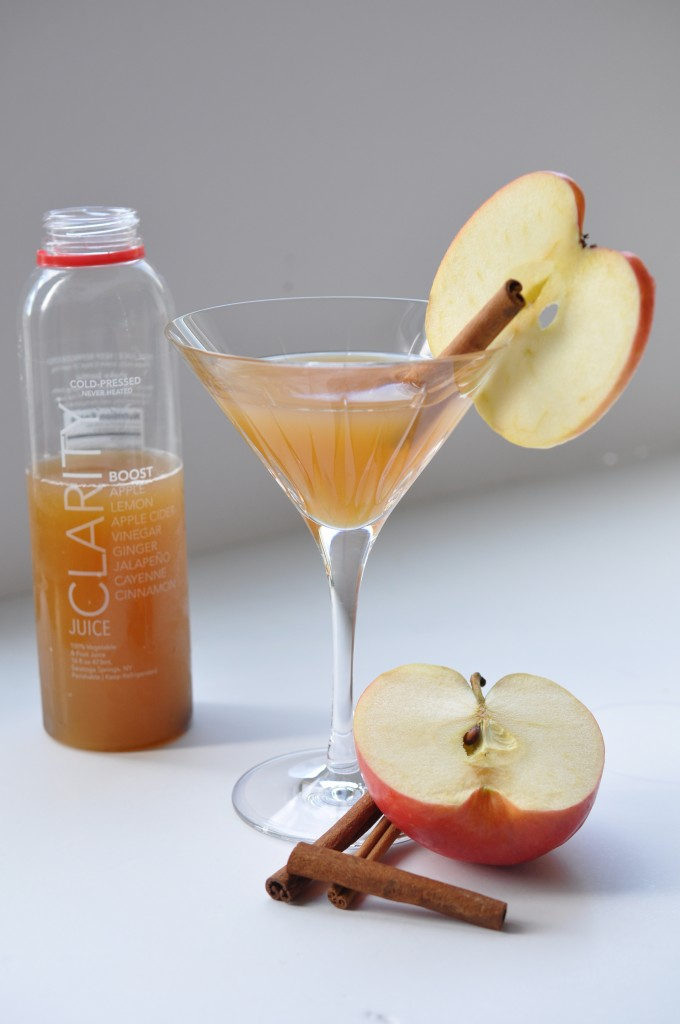 spicy spiked apple cider martinis with fresh juice from clairty juice by bewellwitharielle.com