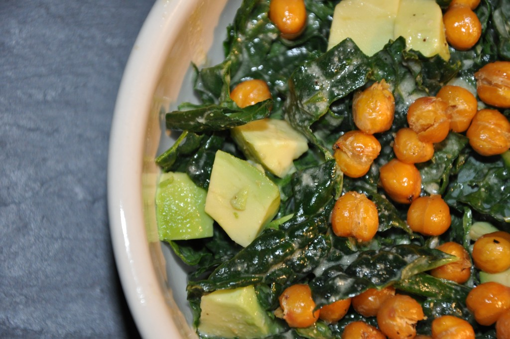 kale ceasar salad by bewellwitharielle.com