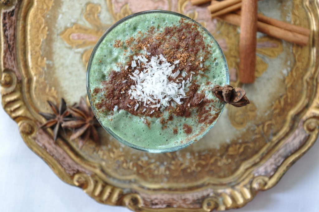 healthy egg nog green smoothie 1 by arielle haspel of bewellwitharielle.com